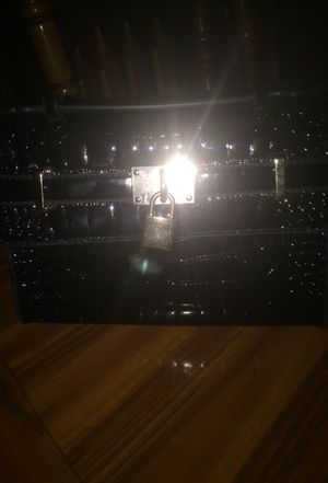 Black nice purse for Sale in Phoenix, AZ