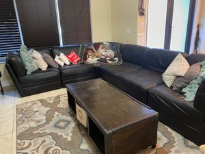 Large black leather couch for Sale in Fort Lauderdale, FL