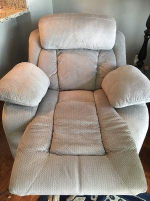 La Z Boy recliner for Sale in Woodbridge, VA