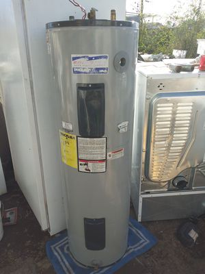 I HAVE WATER HEATER FOR SALE WITH WRRENTY CHECK THEM OUT PLEASE ALSO REFRIGERATOR STOVES DIFFERENT SIZES ON THE WATER THANKS AGAIN for Sale in Phoenix, AZ