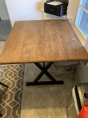 Small dining room/kitchen table for Sale in San Diego, CA