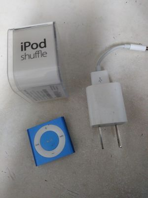 Barely used 2 GB Ipod Shuffle for Sale in Dallas, TX