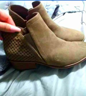 BRAND NEW ANKLE BOOTS SIZE 8/9 for Sale in Victoria, TX
