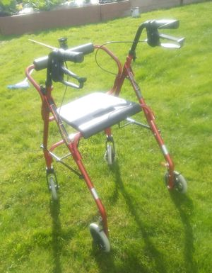 Medical grade walker for Sale in Aberdeen, WA