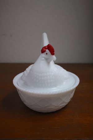 Vintage 1950s 1960s Westmoreland Milk Glass Chicken #2 - Hen on Nest Lidded Dish for Sale in US