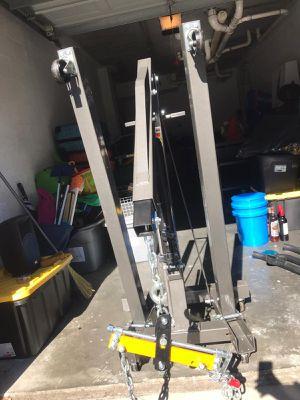 2 ton Engine Crane (cherry picker) with engine leveling, 2 hydraulic jacks, 4 standing jacks. for Sale in Orlando, FL