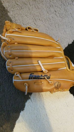 Baseball glove for Sale in Federal Way, WA
