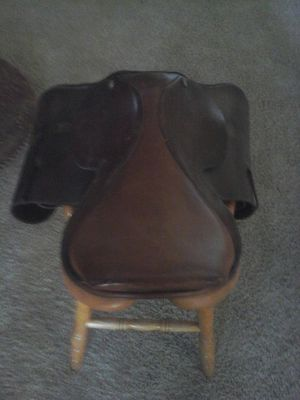 leather saddle for Sale in Hesperia, CA