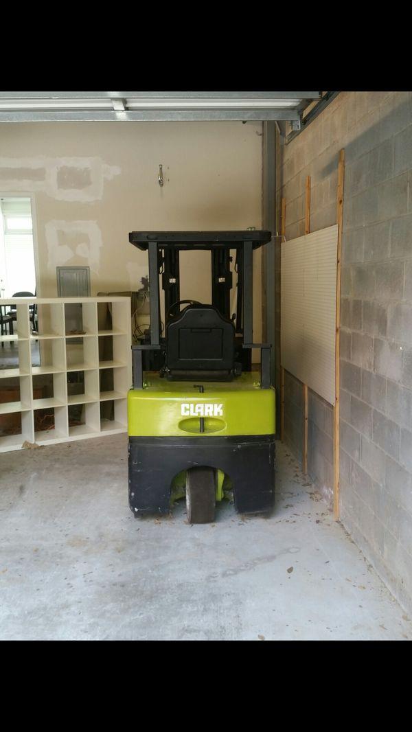 Clark TMG15 Forklift
