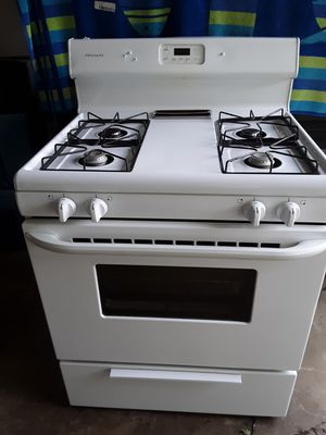FRIGIDAIRE(used)gas stove! for Sale in Elyria, OH