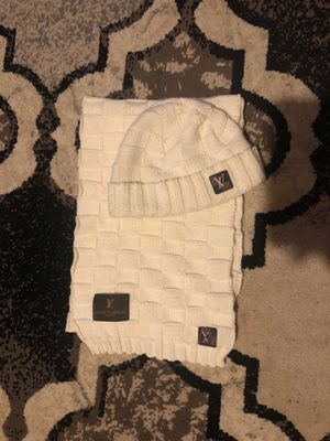 Louis Vuitton scarf & hat set for Sale in Midlothian, VA