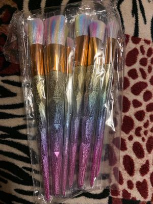 7pcs unicorn rainbow colorful makeup brushes deal beautiful for Sale in Lynwood, CA