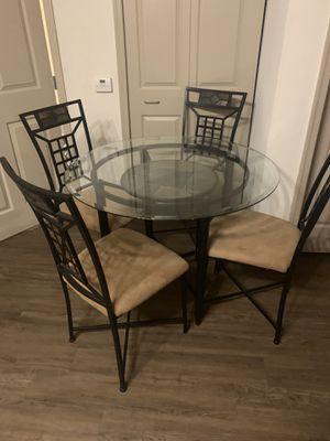Glass kitchen table for Sale in Tarpon Springs, FL