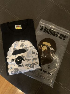 Bape tee size M 100$ today only for Sale in Long Beach, CA