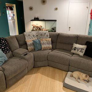 Gray Recliner Couch for Sale in Port Orchard, WA