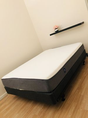Casper Queen Mattress + Foundation + Bed Frame for Sale in Feasterville-Trevose, PA