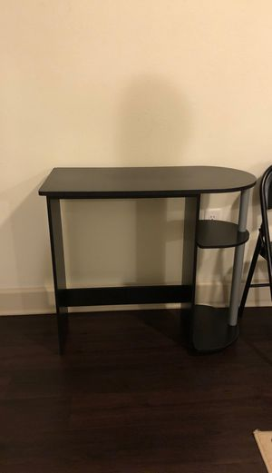 Computer table for Sale in St. Petersburg, FL