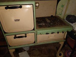 Antique stove for Sale in Philadelphia, PA