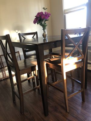 Kitchen Table with chairs for Sale in Blue Island, IL