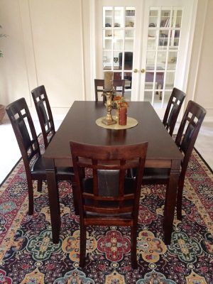 7-Pc Breakfast Dining Table w/ 6 Chairs for Sale in Houston, TX