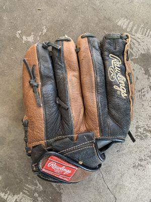 Rawlings baseball glove for Sale in San Bernardino, CA