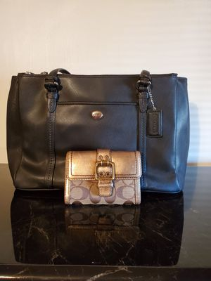 Coach black purse for Sale in Phoenix, AZ