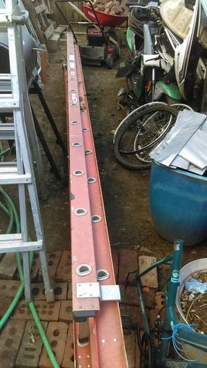 Werner extension ladder for Sale in Wichita, KS