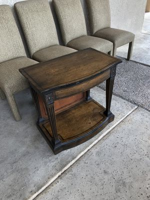 Rustic end table for Sale in Scottsdale, AZ