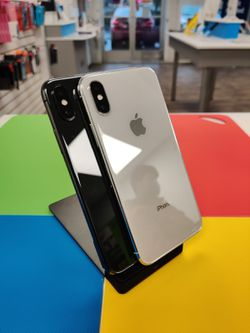 Unlocked Apple iPhone X 256GB for Sale in Everett,  WA