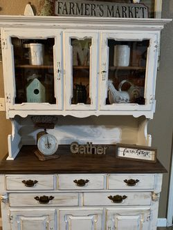 Beautiful Refurbished Vintage Hutch Serious Ready Buyers Only Please Yes It's Available for Sale in Madera,  CA