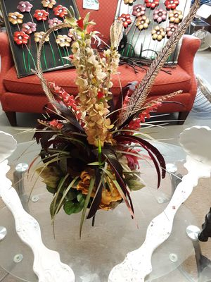 Floral arrangement for Sale in Farmville, VA