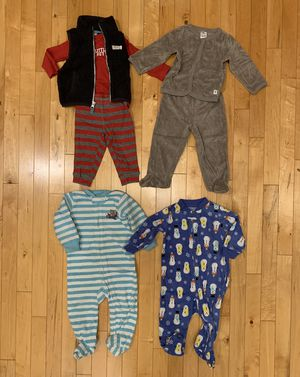 Carter's Winter Clothes & Sleepers lot 9 months for Sale in Aurora, IL