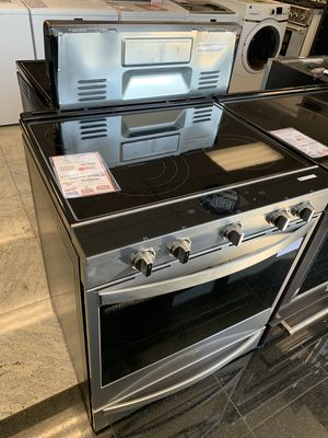 On Sale Whirlpool Electric Stove Oven 5 Burner Glass Top #1320 for Sale in Huntington, NY