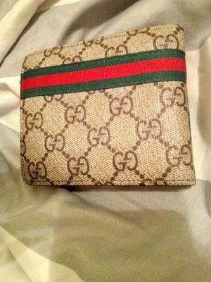 Brand new Gucci wallet Serial # 60223 for Sale in Wichita, KS