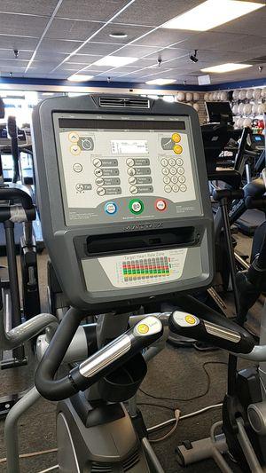 Matrix commercial grade elliptical for Sale in Glendale, AZ