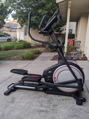NORDICTRACK e7.0 ELLIPTICAL TRAINER LIKE NEW $550 for Sale in Stockton, CA