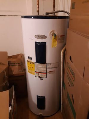 80 gallon whirlpool water heater for Sale in Tacoma, WA