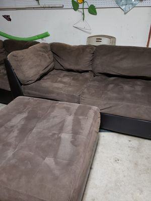 """Good condition 7 pcs sectional, brown microfiber material, 24""""×46"""" small coffee table refinished $300 obo and. Table a$75 obo for Sale in Glendale, AZ"""