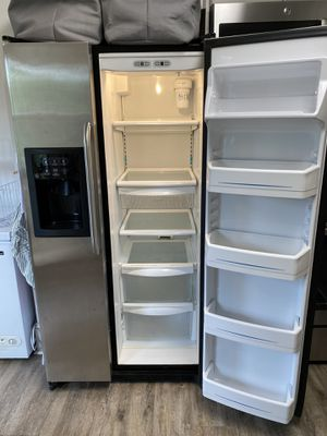GE Stainless Steel Fridge for Sale in Charlotte, NC