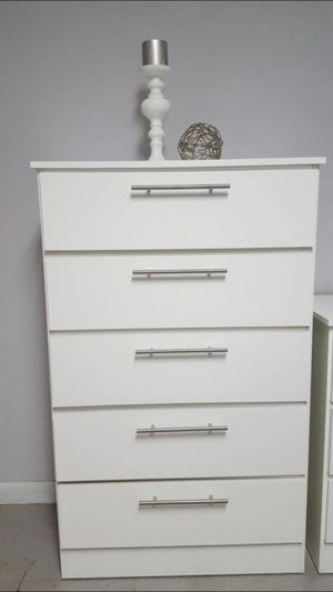 Chest 5 Drawers (BRAND NEW) GAVETERO BLACK OR WHITE for Sale in Miami Gardens, FL