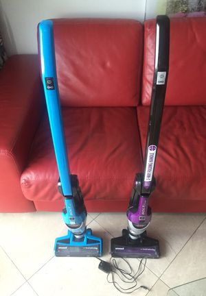 2 Bissell Bolt Vacuums & 1 charger - will not take charge for Sale in Fort Lauderdale, FL