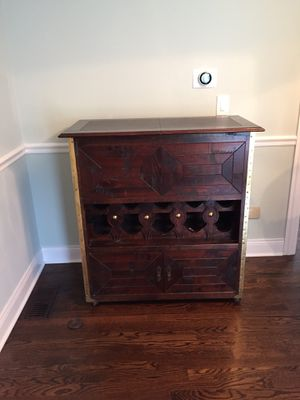 Solid wood premium bar caninet for Sale in Vernon Hills, IL