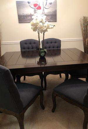 Beautiful brown table with six chairs for Sale in Alexandria, VA