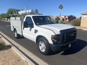 2008 FORD F350 UTILITY BODY IN GREAT CONDITION. VERY LOW MILEAGE for Sale in Riverside, CA