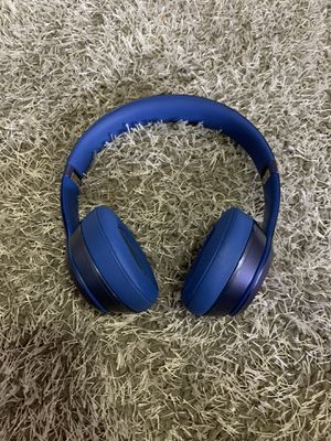 Blue beats (not wireless) for Sale in Cleveland, OH