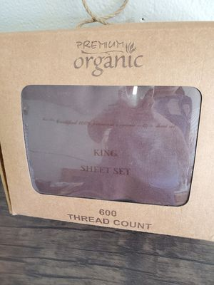 600 THREAD COUNT KING SHEETS for Sale in Corona, CA