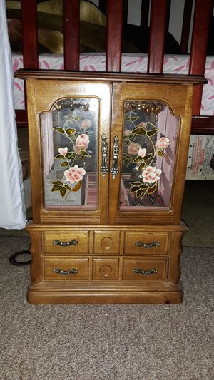 Jewelry box for Sale in Monrovia, CA