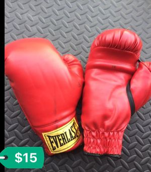 Everlast boxing gloves for Sale in Jacksonville, FL