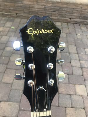 epiphone with accessories for Sale in Las Vegas, NV