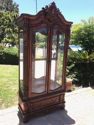 Vintage Carved Wood Curio *RARE* for Sale in Rancho Palos Verdes, CA